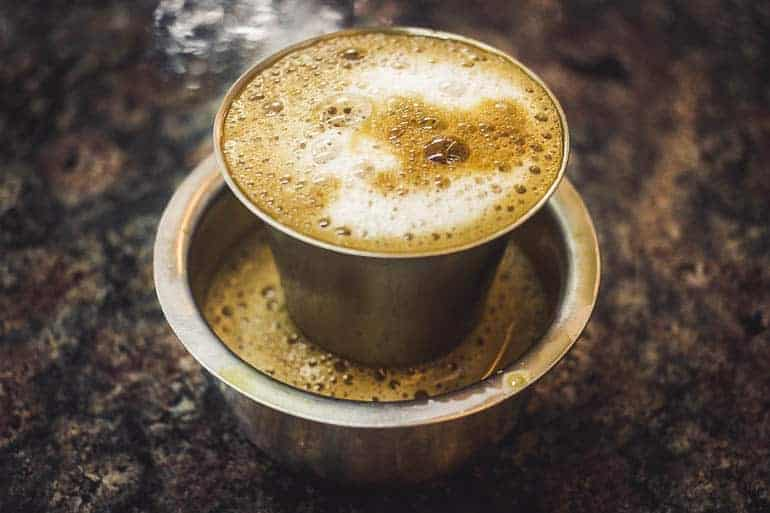 cà phê lọc Ấn Độ hoặc bộ lọc kaapi ở dabarah